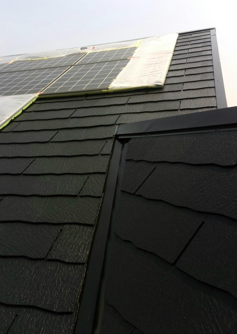 18屋根の上塗り